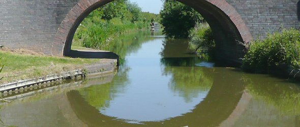 The Ashby canal at Shackerstone